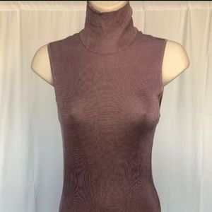 GUCCI Lavender Turtleneck, 100% silk, Size L